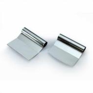 Скребок металл. изогнутый 12*11 см. Z